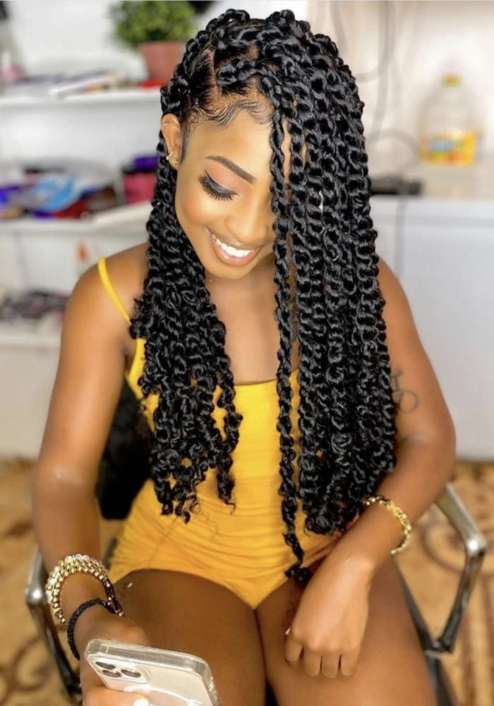 Gorgeous Passion Twists Hairstyles You Need To Try Now in 2021.